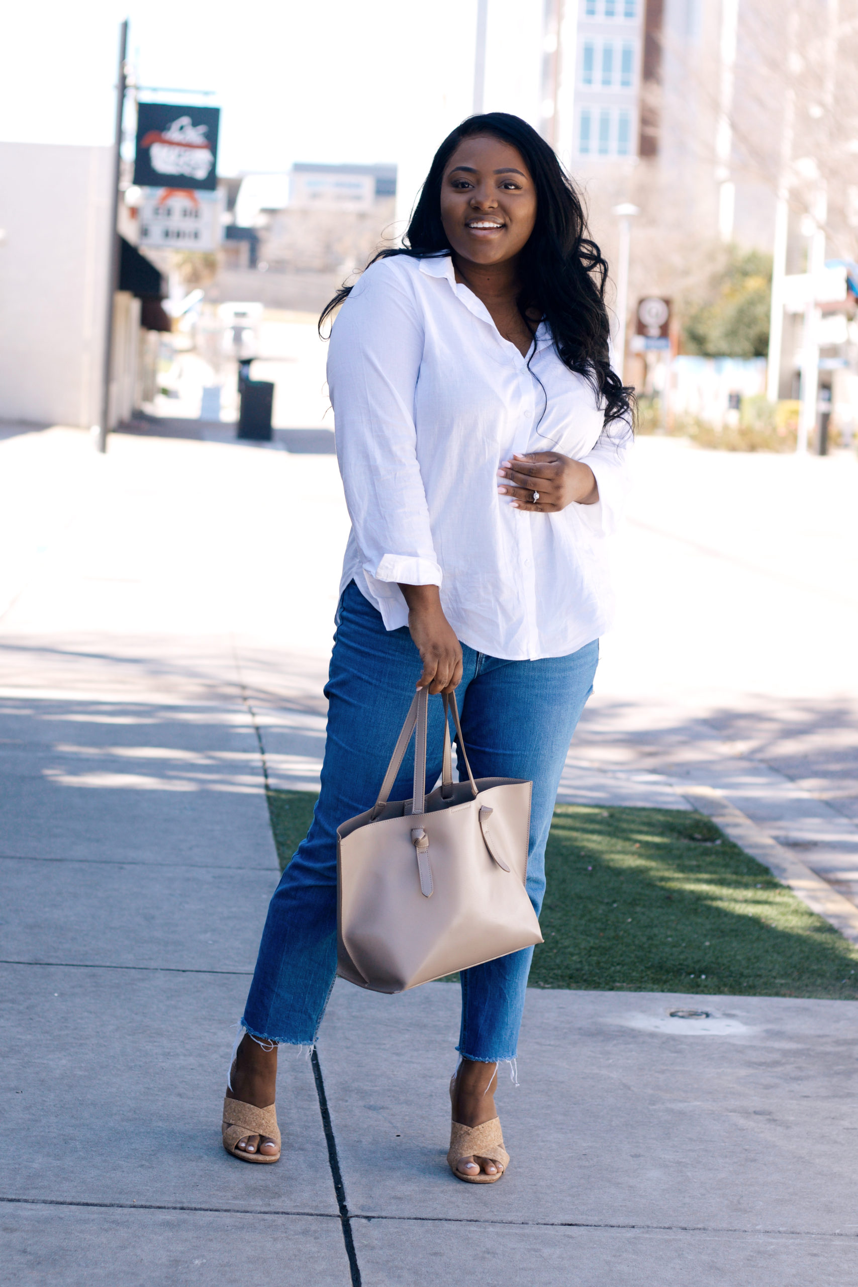 go-to Spring outfit with white button downs and jeans