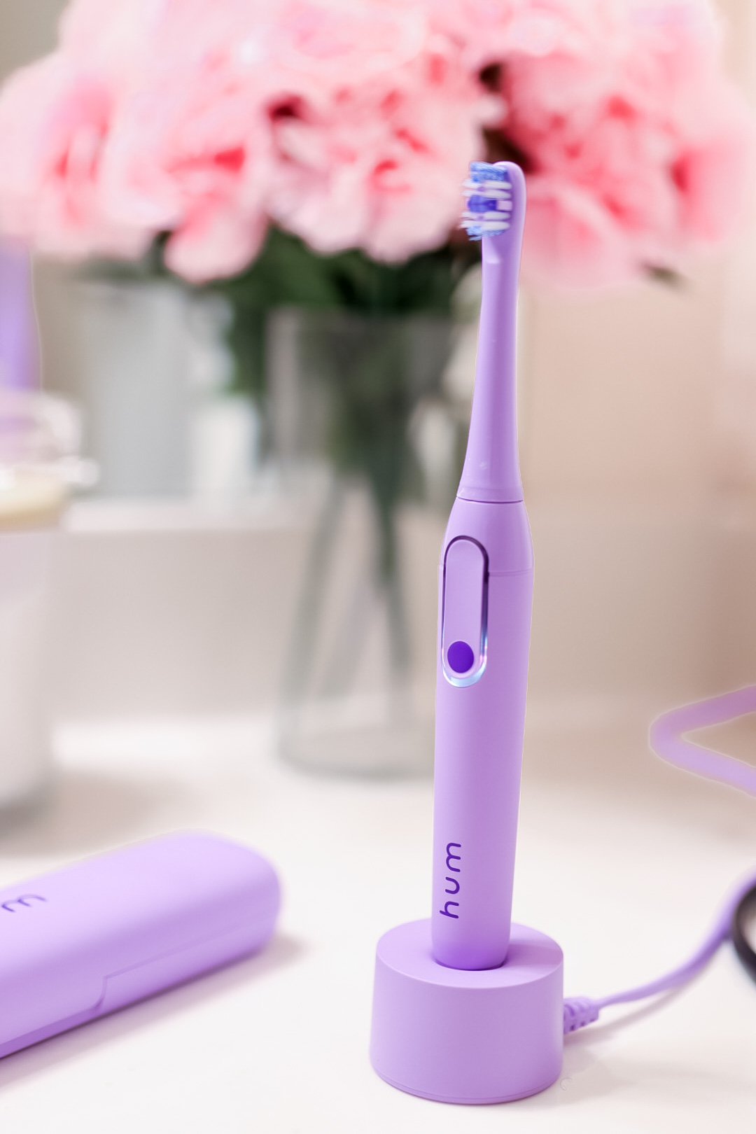 hum by Colgate® Smart Electric Toothbrush in the color purple